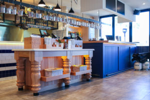 img_restaurant_front_counter_00
